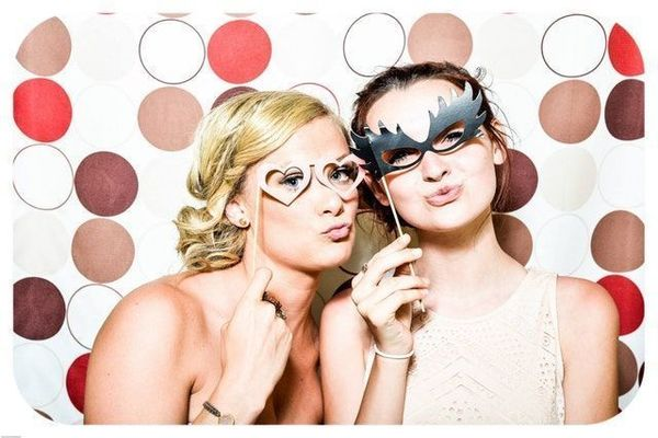 600x600 1526352244 08761b0b1a436f81 1526352243 9affbd428427e3a4 1526352246436 6 photo booth weddin