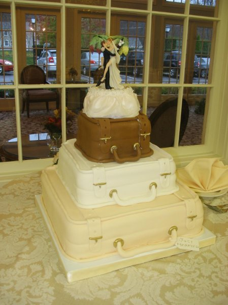 photo 2 of Custom Wedding Cakes by Penny