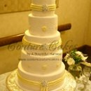130x130 sq 1286115193091 whiteyellowbroochweddingcake5tier