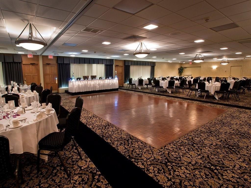 Holiday Inn Buffalo-Intl Airport - Venue - Buffalo, NY - WeddingWire