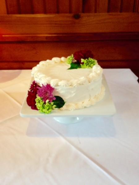 600x600 1506019360800 plain white cake