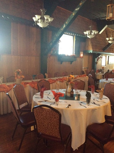 1490293682155 1490285111236433110765217795142777335548857o Cudahy wedding venue