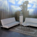 130x130 sq 1432307602601 lounge con sofas blancas