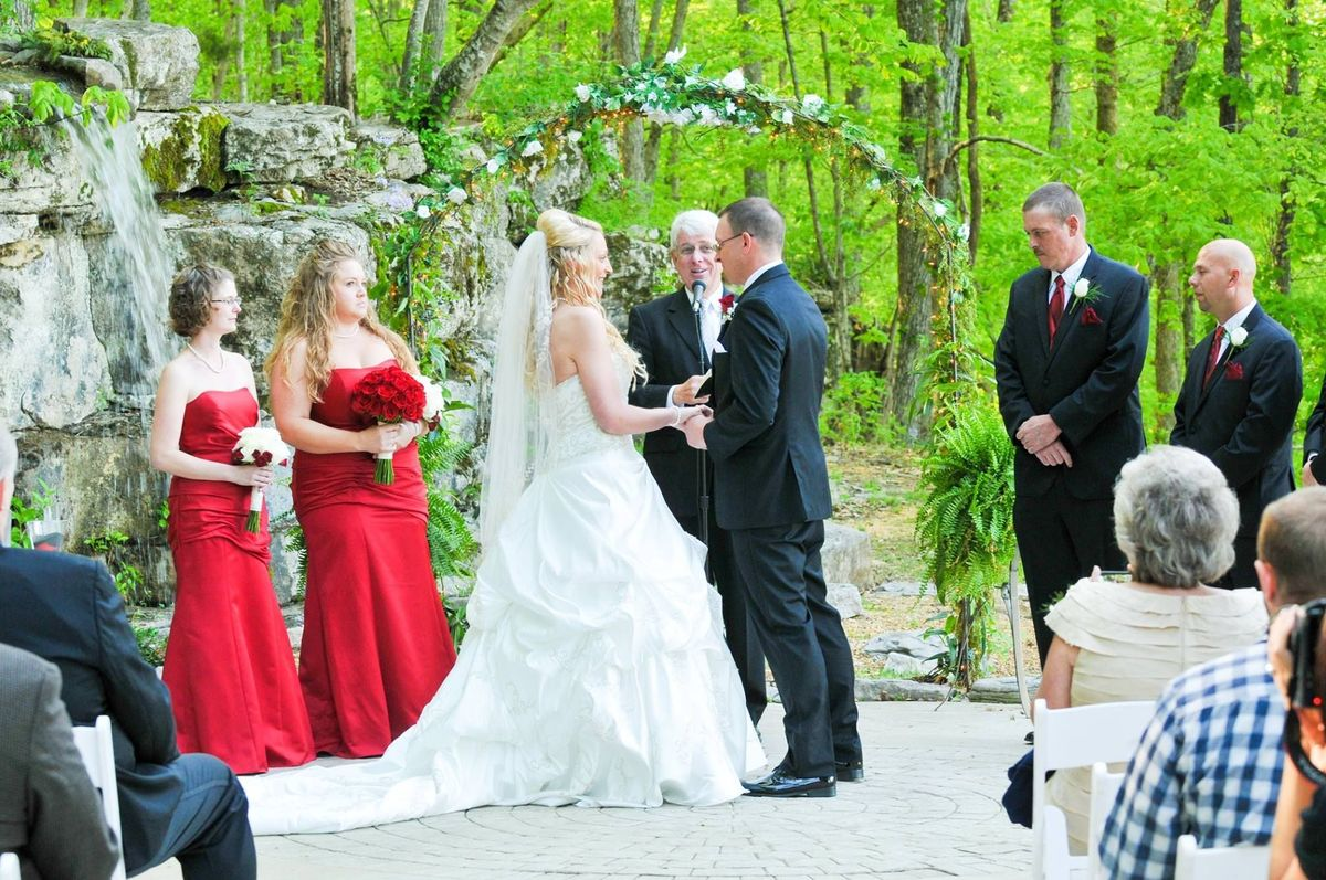The wedding chapel on the mountain venue huntsville for Wedding venues huntsville al