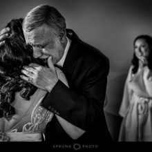 220x220 sq 1479342381147 chicago wedding photographer victoria sprung photo