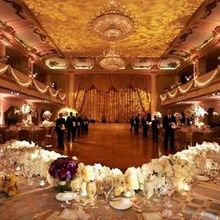220x220 sq 1506087884 5e8f238ad4155e55 1506087815696 phlphp145weddingreception 1