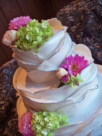 CakeAlicious Spotlight Wedding Cakes Near Virginia Beach