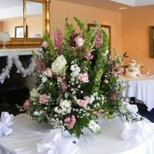 220x220 sq 1521796289 02cefe59b7ac4f65 1192067102921 weddingflowers