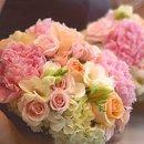 130x130 sq 1206965822794 bouquet10