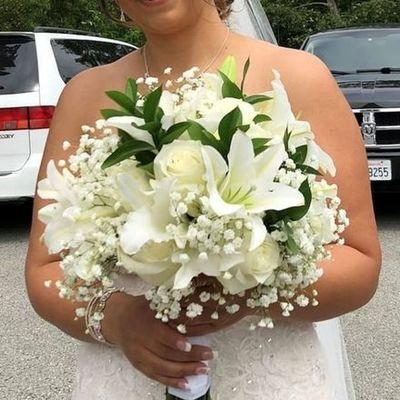 400x400 1531325251 b4ad9b35905b2948 1531325251 48d0967f04995205 1531325248801 3 bridal bouquet rob