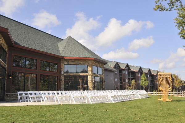 wilderness resort wisconsin dells wi wedding venue. Black Bedroom Furniture Sets. Home Design Ideas