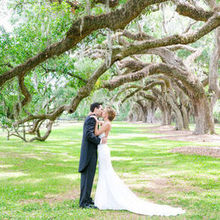 220x220 sq 1532450315 c8f67409613cd078 1532450314 550ed66c9c3b1d37 1532450310714 9 charleston wedding