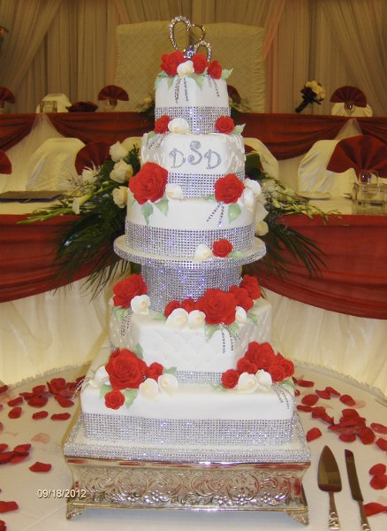 Hip Romantic Red Silver White Ballroom Fondant Multi Shape Wedding Cake Winter Wedding Cakes