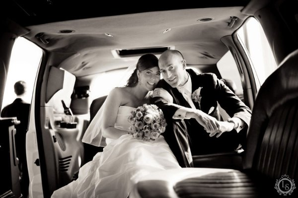 600x600 1312984296226 hamiltonburlingtonoakvilletorontoweddingphotographer17