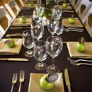 130x130 sq 1245296000445 tablesetting2