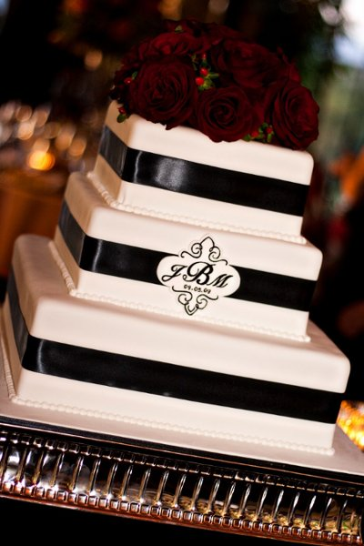 Black Red Silver White Monogrammed Square Wedding Cakes Photos Amp Pictures Weddingwire Com