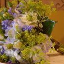 130x130_sq_1229401292374-bouquet_2