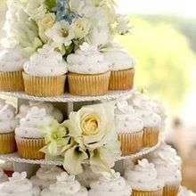 220x220 sq 1467742456 e36843eb9b5607ca 1229875808213 weddingcake1closeup5x7