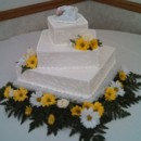 130x130 sq 1416862492812 yellow daisy wedding cake