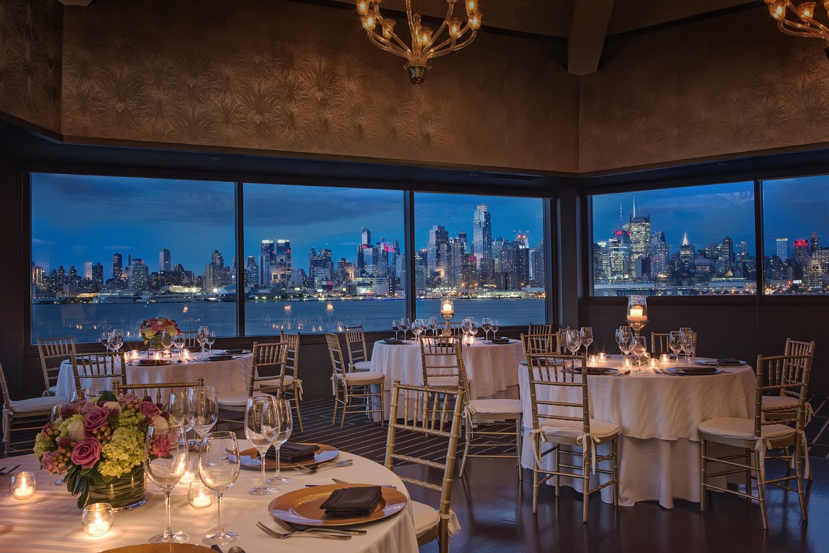 Chart house restaurant venue weehawken nj weddingwire for Unusual wedding venues nyc