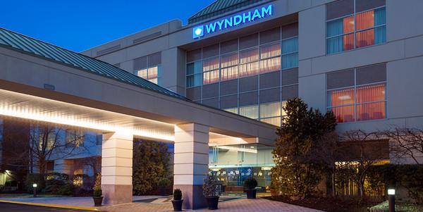 600x600 1494012209689 hotel exterior