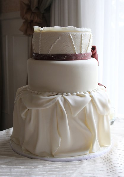 photo 47 of Amanda Oakleaf Cakes