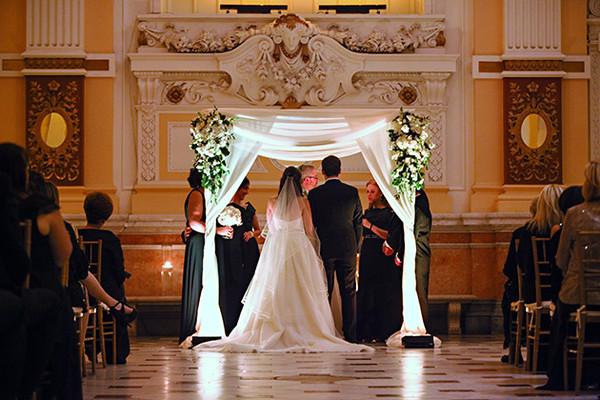 600x600 1467914250939 06elegant ivory museum wedding marie labbancz phot