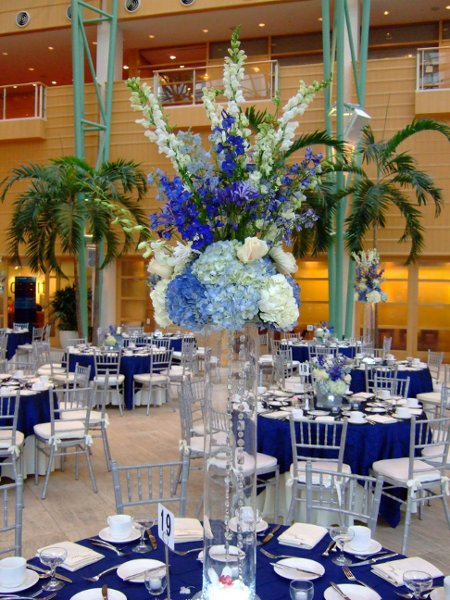 Blue white centerpiece delphinium hydrangea orchid rose - Blue and white centerpieces ...