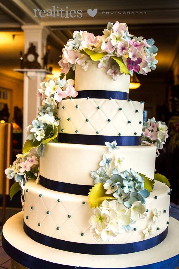 Tiffanys Baking Co Wedding Cake Candler Nc Weddingwire