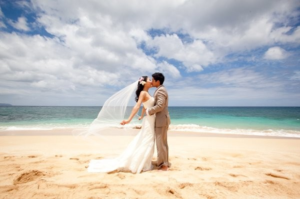 Holladay photo reviews hauula hi 7 reviews for Honolulu wedding dress rental
