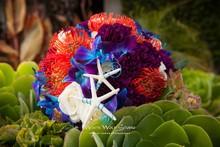 220x220 1427150484780 tonis bouquet
