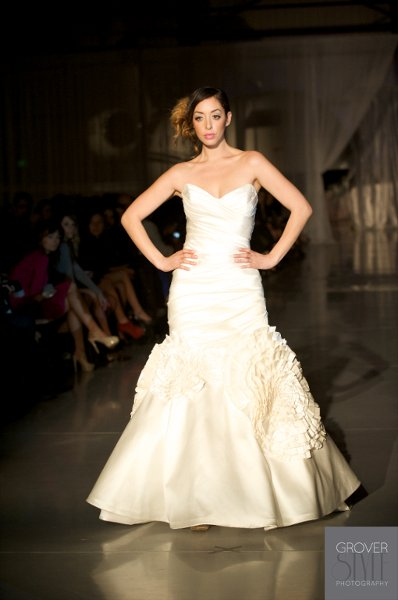 Mira bridal couture modesto ca wedding dress for Wedding dresses in modesto ca