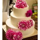 We arrange for cakes from expert bakers to fit your style and budget