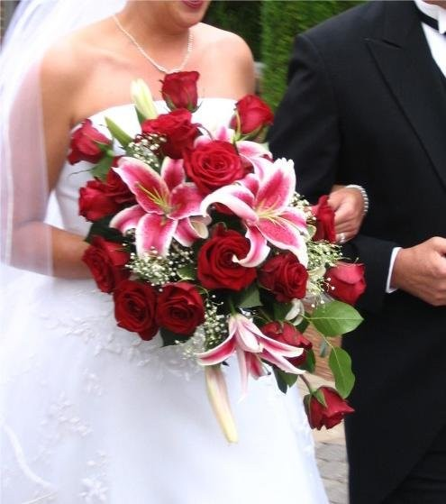 pink red white bouquet wedding flowers photos pictures. Black Bedroom Furniture Sets. Home Design Ideas