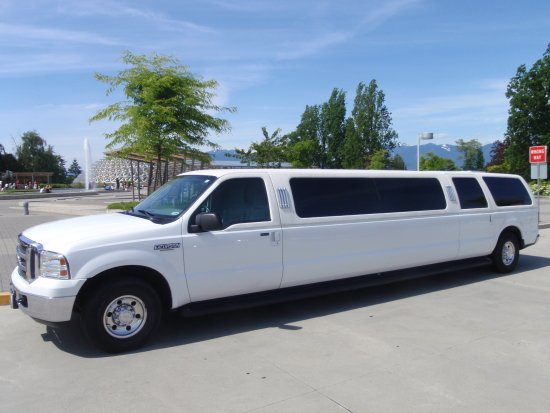 photo 6 of Vancouver Wedding Transportation  LimoLimo.ca