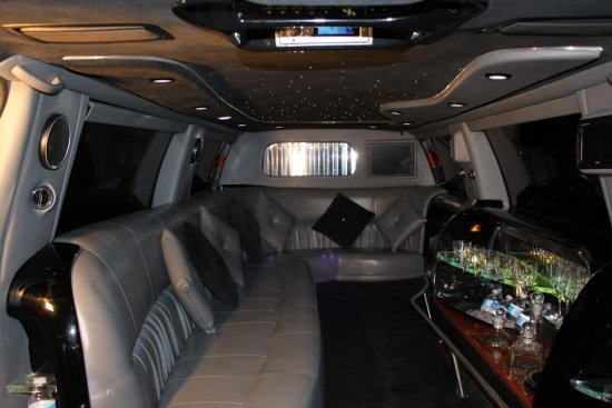 photo 7 of Vancouver Wedding Transportation  LimoLimo.ca