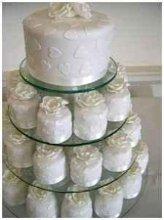 220x220 1245590868157 whiteheartscupcakes