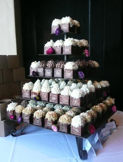 cupcake squared wedding cake san diego ca weddingwire. Black Bedroom Furniture Sets. Home Design Ideas