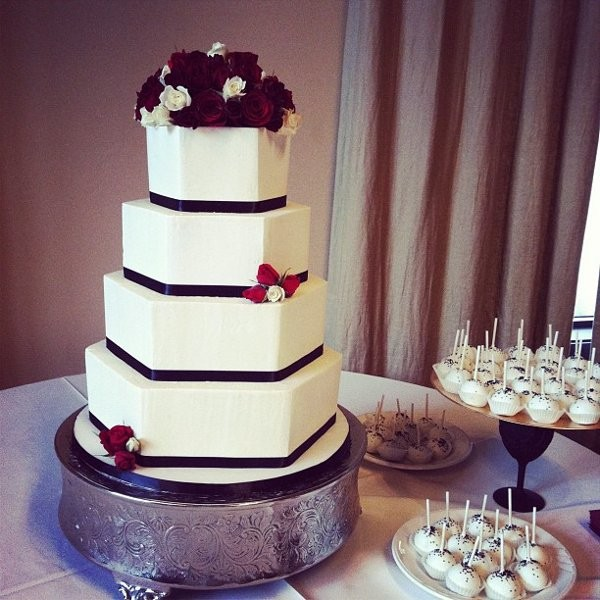 wedding cakes austin tx polkadots cupcake factory wedding cake tx 23826