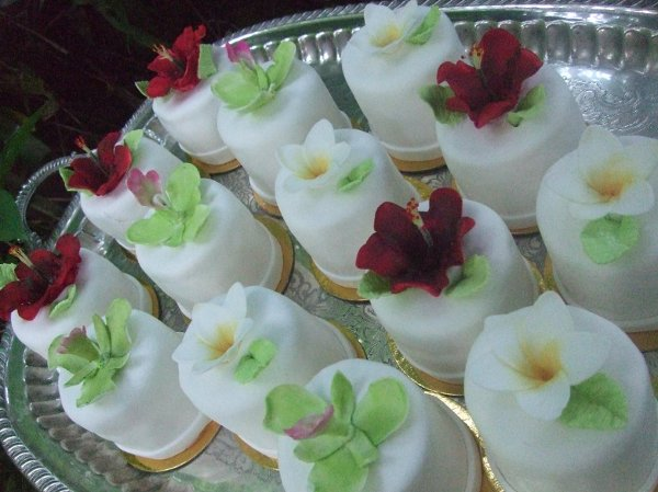 photo 66 of Aloha Cakery LLC
