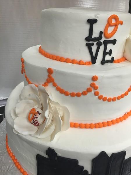 graul 39 s market baltimore md wedding cake. Black Bedroom Furniture Sets. Home Design Ideas
