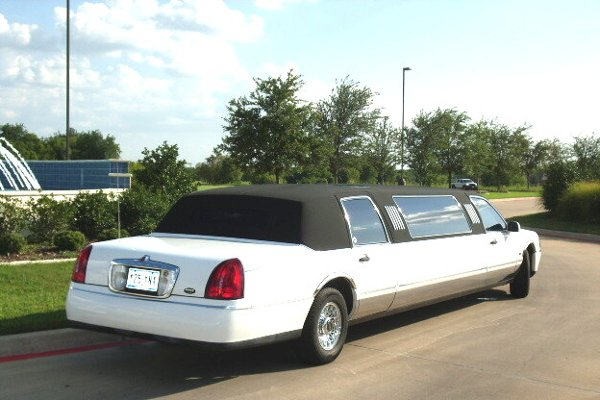 photo 9 of Eagle Crest Limousine Service