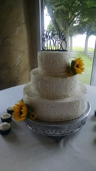 cakes by michele llc syracuse ny wedding cake. Black Bedroom Furniture Sets. Home Design Ideas