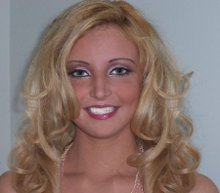 220x220 1240927225290 blondemodel