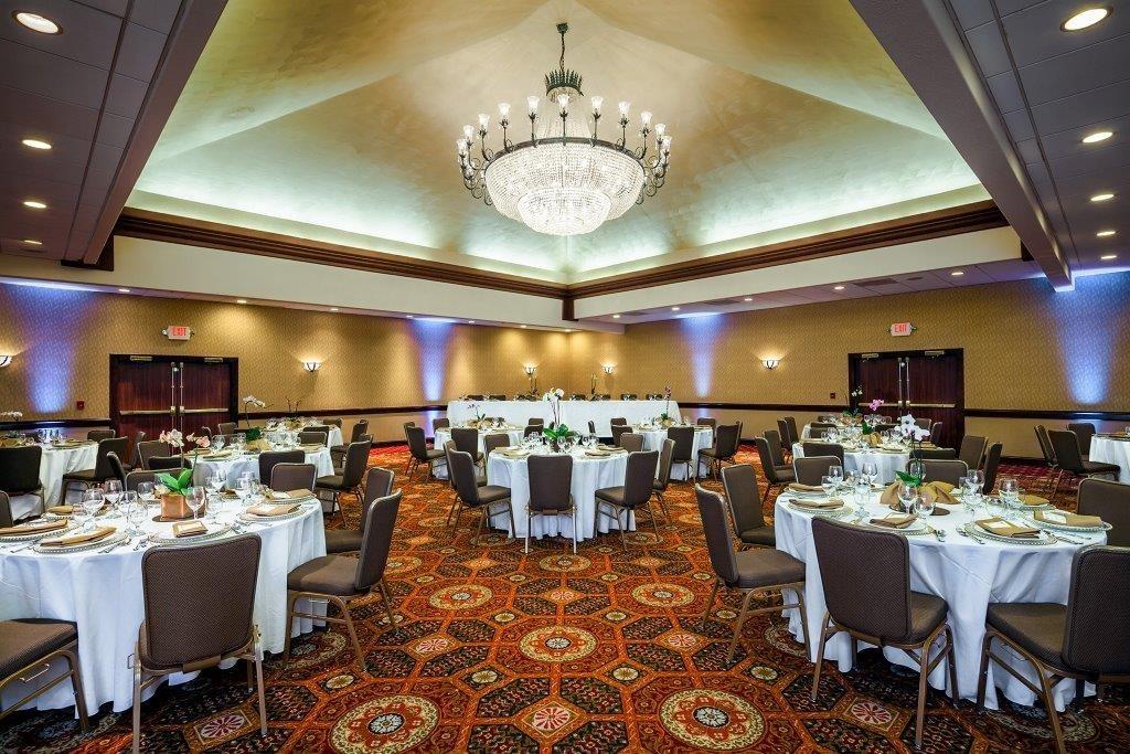 Crowne plaza concord walnut creek venue concord ca for Wedding dresses walnut creek ca