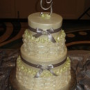 130x130 sq 1378194769557 green ivory wedding cake u of h hilton