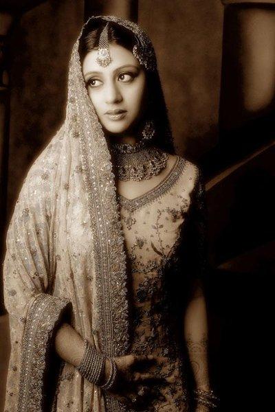 Makeup Artist on Khush Singh Celebrity Bridal Makeup Artist Jersey ...