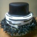 130x130_sq_1295997631691-blackandwhiteroundcakes