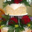 130x130_sq_1295998353566-redrosesweddingcake