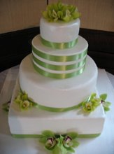 220x220 1243535421895 orchidweddingcake